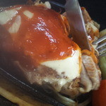 レストラン ザ・マベリック - チキンの上には濃厚チーズが。。。