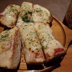 串エ門 - 「フランスパンのピザ」もまた、なかなか美味い
