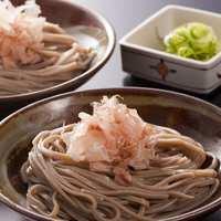 おそばだうどんだ 越前 - 福井について最も短時間で食べられる「越前おろしそば」 伝統の2皿盛りで。
