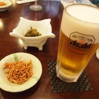 奥藤本店 - 料理写真:朝から呑む生ビールは美味しい