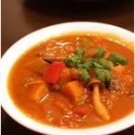 アンジュナ - 季節の野菜カレー