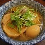必死のパッチ製麺所 - 看板メニューの高級煮干焼き飛魚からダシを取った上品なラーメン『飛魚そば』平打ち自家製麺大盛り無料