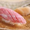 鮨 土方 - 料理写真:伝統的な江戸前スタイルの鮨