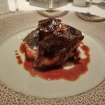 レストラン ラ フィネス - 北海道産キジバトのローストとそのブータンノワール        ブータンノワールはすばらしい。       セップ茸、ジロール茸、トリュフと敬三さんらしいソース。