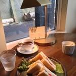 元町珈琲店 - サンドイッチ 500円。具沢山で美味しいです。