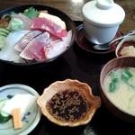 塚本鮮魚店 - 「特上海鮮丼」です。
