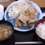 ふる里のけむり - 料理写真:生姜焼き定食¥500