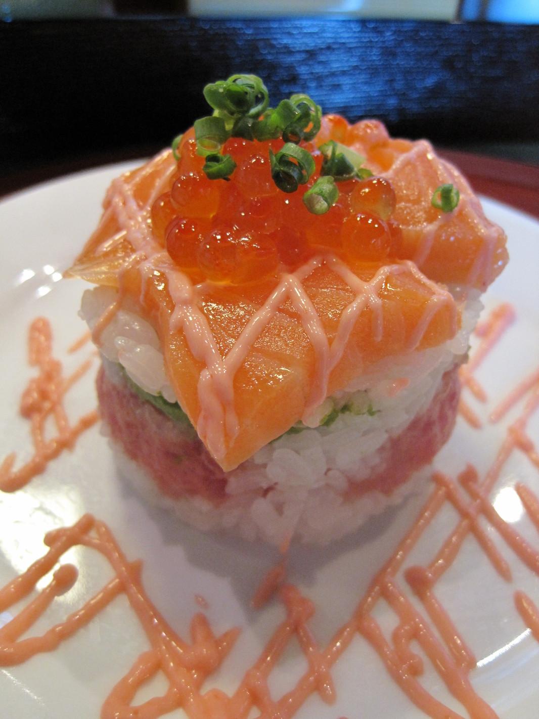 地魚回転寿司 丸藤