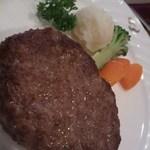 ポレール - ハンバーグ。肉!って感じがすう。