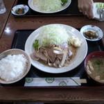 献立家弥栄 - 料理写真:生姜焼き定食