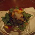 旬鮮炭火焼 獺祭 - 前菜の海鮮サラダ