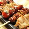 串バル - 料理写真:国内で飼育された地鶏を炭火で注文いただいてから焼いていきます。