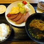 まるやす - ポーク玉子定食