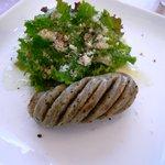 ガレリア - 自家製ソーセージとパルメザンサラダ