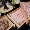 馬味鶏豚 - 料理写真:豚肉は群馬の加藤プレミアムポークを使用。餌に違いをだし、脂身が甘くなるように飼育しているためあっさりしていて脂肪もたまりにくく究極の豚肉です。【アーモンド豚のしゃぶしゃぶWコラーゲン】