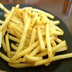 珈琲館エバーグリーン - ...ポテト。コンソメ風味で何も付けなくてもウマイ!