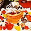 カフェ バニヤン - 料理写真:記念日には「全部のせパンケーキ5段」でお祝いを!
