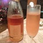 ル サンジュウイチ - ロゼのシャンパーニュで乾杯