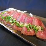 鉄板焼 いいべ家 - 山形牛 炙り ¥1080-