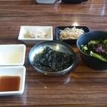 玄 - ナムル、サラダ、韓国のり