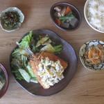ハナコマ - アジフライ定食