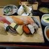ジャンボおしどり寿司 - 料理写真:満腹にぎりセット945円