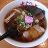 ラーメンさんぱち - 料理写真:元祖醤油ラーメン。 なるとに屋号が書かれている。