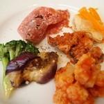 TRATTORIA AL SODO  - 贅沢ランチの前菜(カリフラワーのトマト煮、飯蛸、魚のエスカベッシュ、イタリアンサラミ、茄子)