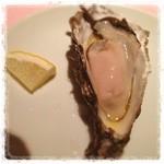 アローラ - 厚岸の牡蠣(¥350)をいただきまーす