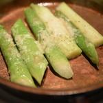 ステーキ カフェ ケネディ - グリーンアスパラオーブン焼き