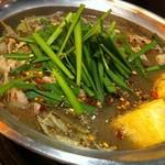 煌梨 - もつ鍋(黒マー油)