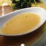 壱七家  - ラーメン、スープ