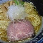 さとう - 豊漁鶏だし醤油ラーメン(塩も旨いが醤油も旨い。)