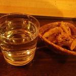 いっこん  - 料理写真:日本酒とお通しで地元の漁師気分?