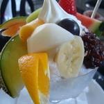 フルーツショップ キヨカ - フルーツあずき氷水 1,575円