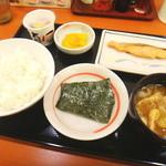幸楽苑 - 料理写真:鮭&納豆定食