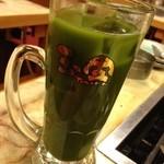 玉金 - 緑茶ハイ 抹茶が使われコクがある。480円