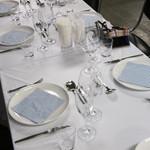 港町食堂 - 夜のコースのテーブルセッティング