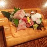 魚圓 - お造り盛合せ(*^_^*)めちゃめちゃ美味しい!コスパ高い