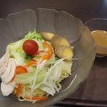 魚らん坂 - サラダ冷やし麺