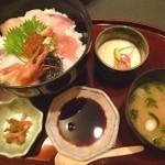加賀屋 - 料理写真:海鮮丼(1500円)