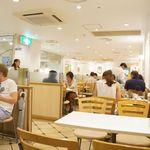 渋谷西村 フルーツパーラー - カジュアルな店内。