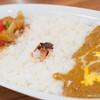 カリーアップ - 料理写真:やさいのカレー&バターチキンカレー(Mサイズ)