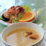 チャーリーレストラン - スープとサラダ