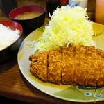 おさむ - 脂多めロースかつ定食
