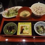 さんるーむ - 季節の魚御膳(カツオの土佐造り)