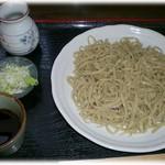 そば処よし田屋 - 料理写真:もりそば 700円 ボリュームあり