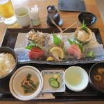鎌倉こまち市場 風凛 - 特選 地魚お造り盛り合わせ膳
