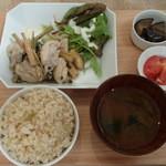 Rensa - インドネシア風香草蒸し鶏 1,000円