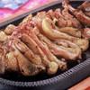 地鶏炭火焼 鳥亭 - 料理写真:地鶏モモ炭火焼き(骨付き) 1,050円